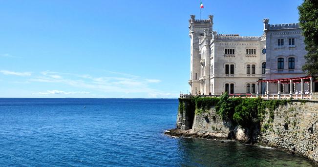 Trieste viaggio nel porto d 39 arte il sole 24 ore for Eventi oggi fvg